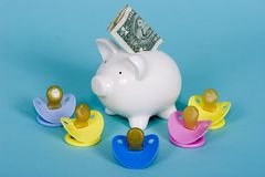 цена ухода за ребенком стоковая фотография rf
