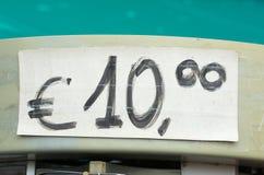 Ценник евро 10 написанный в излишке бюджетных средств Стоковое Изображение