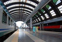 центральный железнодорожный вокзал милана Стоковая Фотография