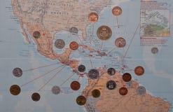 Центральная американская карта с монетками стоковая фотография rf