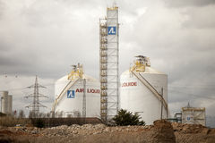 Центральные жидкие водороды зона промышленная Бак для хранения жидких водородов (Испания) стоковая фотография