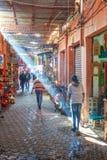 Центральный рынок города с туристами и продавцами Стоковые Фото
