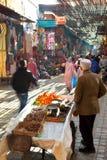 Центральный рынок города с туристами и продавцами Стоковые Изображения