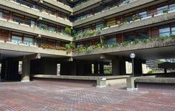Центр барбакана Архитектура Brutalist, Лондон стоковая фотография