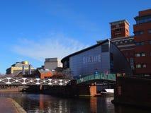 Центр Бирмингема смотря к национальному центру моря, Англии Стоковые Фото