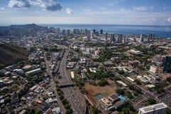 Центр города Гонолулу Оаху Гаваи красивого вида с воздуха сценарный стоковое фото