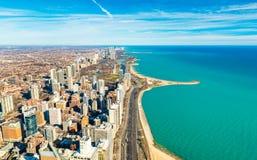 Центр города и Lake Michigan Чикаго подпирают линию, США Стоковое Изображение