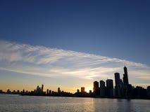 Центр города неба взгляда Чикаго от Мичигана стоковая фотография rf