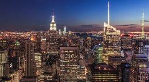 Центр города Nightview Нью-Йорка - Манхаттана от g Стоковые Фотографии RF