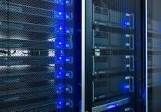 Центр данных, комната сервера стоковая фотография