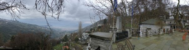 Центр деревни Makrinitsa стоковое изображение rf