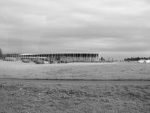 Центр посетителя Стоунхенджа в Amesbury в черно-белом стоковая фотография