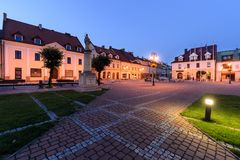 Центр Zory после захода солнца Польша стоковое изображение