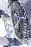 Цепи снега установки стоковое фото rf