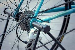 Цепное колесо велосипедов припаркованных на парке Стоковые Фото
