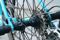 Цепное колесо велосипедов припаркованных на парке Стоковое Изображение RF