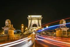 Цепной мост на ноче в Будапеште, Венгрии Стоковое Изображение