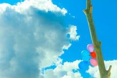 Цепь воздушного шара в небе Стоковое фото RF