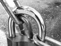 Цепь замка padlock металла внешняя Стоковые Изображения RF