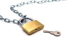 Цепь и ключ замка Стоковые Изображения