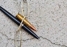 Цепь и пуля ручки Стоковые Фото