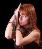 цепь надевает наручники горячие детеныши женщины Стоковые Изображения RF