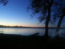 цепь покрывает поверхность США захода солнца неба съемки горизонтальных озер светлую o озера illinois померанцовую Стоковые Фотографии RF