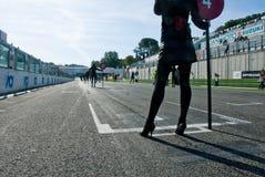 ЦЕПЬ VALLELUNGA, РИМ, ИТАЛИЯ - 2-ОЕ НОЯБРЯ 2008 Девушка решетки Стоковое фото RF