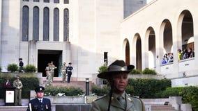 Церемония закрытия на австралийском военном мемориале акции видеоматериалы