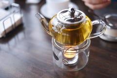 Церемония чая в кафе стоковые фотографии rf