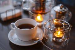 Церемония чая в кафе стоковая фотография rf