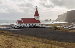 Церковная служба страстной пятницы на Vik, Исландии стоковые изображения