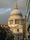 Церковный двор Лондон St Pauls Стоковая Фотография RF