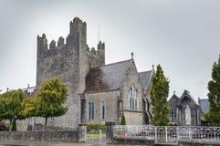 Церковь аббатства святой троицы в Adare, Ирландии стоковое фото