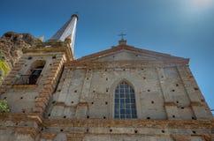 Церковь апостолов Питер и Пол Святого Dei Santi Pietro e Paolo Chiesa, Pentedattilo, Калабрия, Италия стоковые фотографии rf