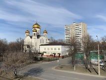 Церковь введения к виску благословленное девственного в церков Veshnyaki введения к церков благословляет стоковое фото rf