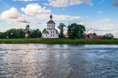Церковь возвеличивания святого креста, монастырь Nilov, зона Tver стоковое фото