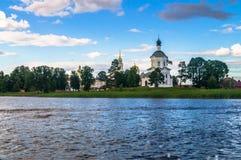 Церковь возвеличивания святого креста, монастырь Nilov, зона Tver стоковое изображение