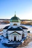 Церковь во взгляде сверху зимы стоковая фотография rf
