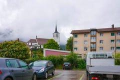 Церковь в городке Charmey на Prealps в грюйере Fribourg Швейцарии Стоковая Фотография