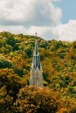 Церковь в деревьях Стоковое Фото