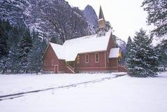 Церковь в зиме, долина Yosemite, Калифорния Стоковые Фотографии RF