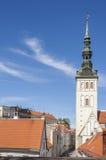 Церковь в средневековом городке Стоковая Фотография