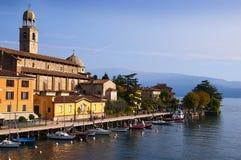 Церковь в Salo интересный городок на озере Garda Италии Стоковое фото RF