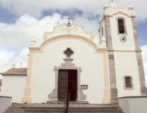 Церковь в Vila делает Bispo, Алгарве, Португалию Стоковая Фотография RF