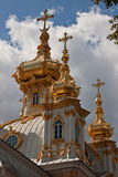 Церковь грандиозного дворца Peterhof в Peterhof Стоковое фото RF