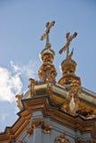 Церковь грандиозного дворца Peterhof в Peterhof Стоковые Фотографии RF