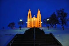 церковь Исландия akureyri светя стоковое изображение rf