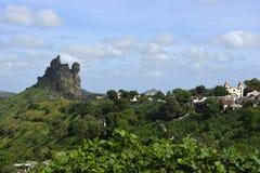 Церковь и вулканический пиковый ландшафт, остров Сантьяго, Кабо-Верде Стоковые Фотографии RF