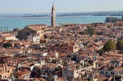 Церковь и городской пейзаж Венеции, Италии стоковое изображение rf